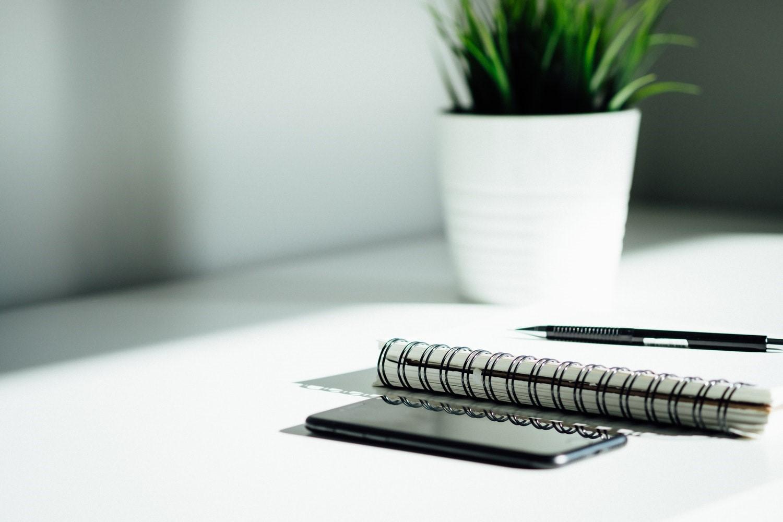 Bạn có thể lựa chọn các ứng dụng tiện lợi thay vì ghi chép quá nhiều trên giấy khi quản lý tài chính